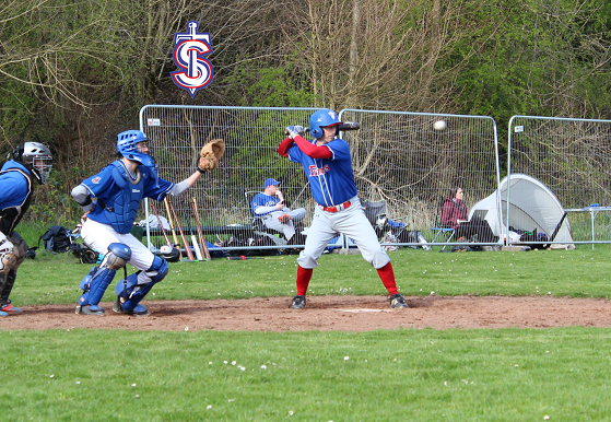 game-26-mar-37-hunton-at-bat.png