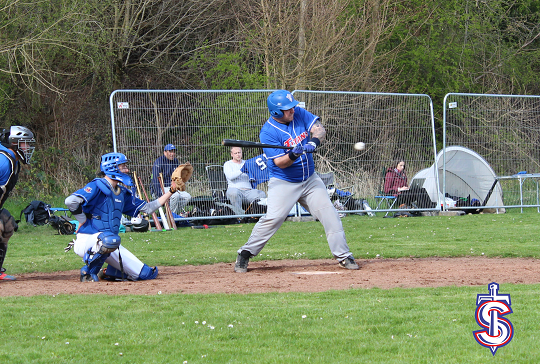 game-26-mar-weale-at-bat.png